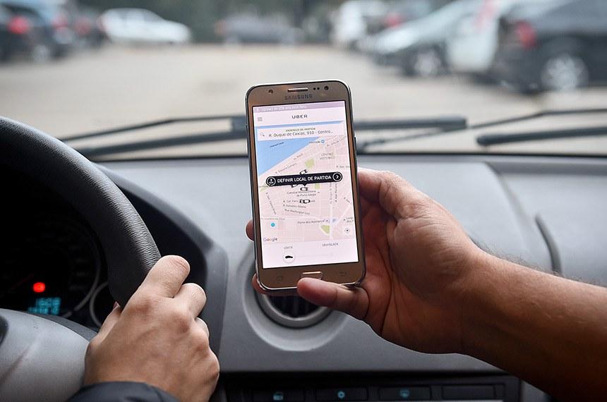 Aplicativos de transporte poderão ter limite de comissão por corrida