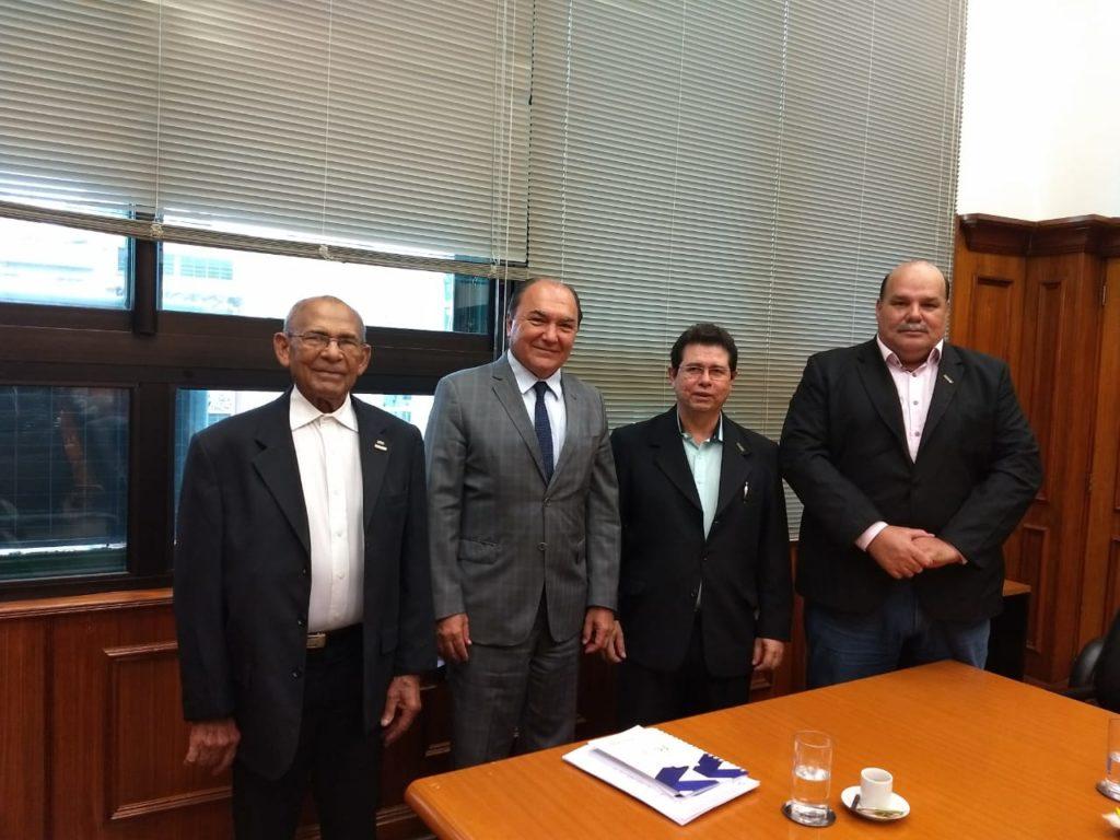 Diretores da FETACESP reuniram-se na sede da Secretaria da Fazenda para solicitar a renovação do convênio de isenção de ICMS para taxista.